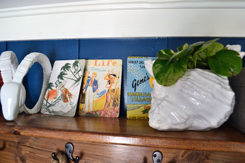 Hulu Girl Postcards On Entry Shelf