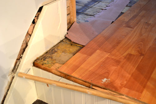 Pulling Up Old Laminate Flooring