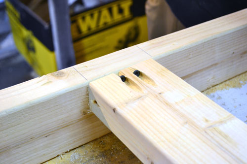 Screwing Together Desk Frame With Kregg Jig