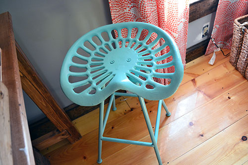 Spray Painting A Tractor Seat Stool