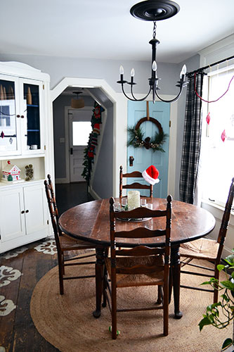 Christmas Decor In Dining Room 2013