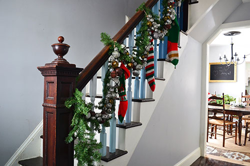 Easy Jingle Bell Garland On Staircase