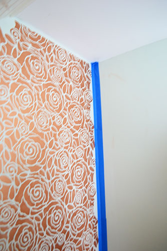 Taping_A_Border And Protecting Other Wall From Stenciling Paint