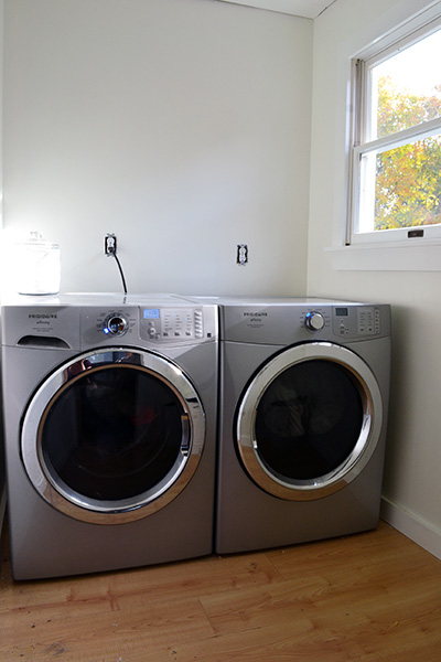 Neutral Unaccessorized Laundry Room Base